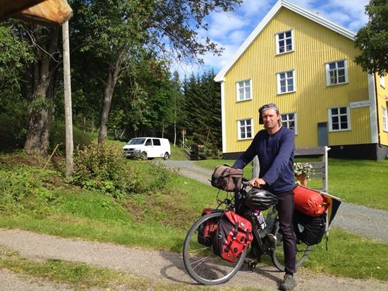 Jürgen Rinck auf seiner künsterischen Rad-Reise ans Nordkap.